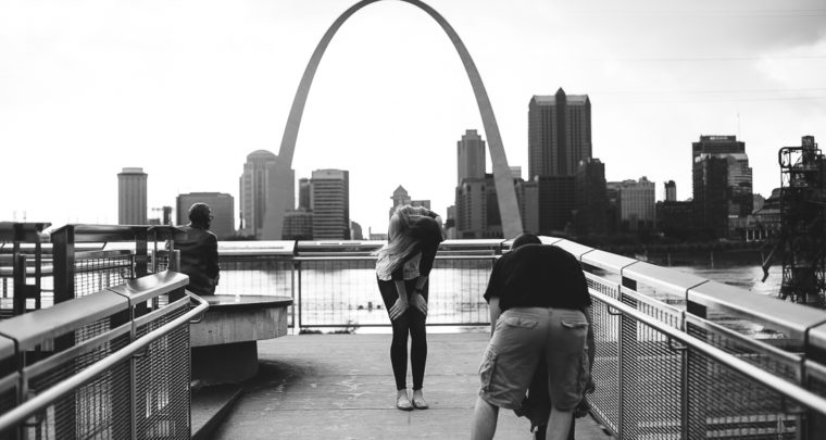 St. Louis Proposal Photography | Malcolm Memorial Park | Arch