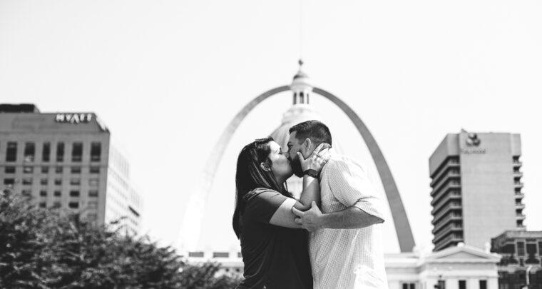St. Louis Proposal Photographer | St. Louis Arch | Kiener Plaza